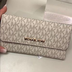 Handbags - Michael Kors trifold wallet
